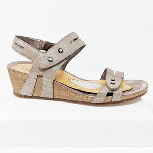 MEPHISTO Minoa metallic leather wedge sandals